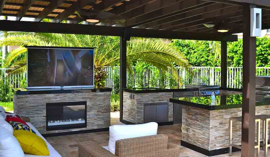 Outdoor tv pictures skyvue outdoor tv photo gallery for Home and garden tv design on a dime