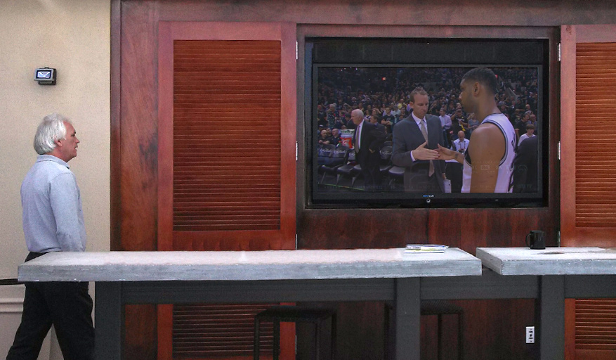 NBA On SkyVue At This Bar