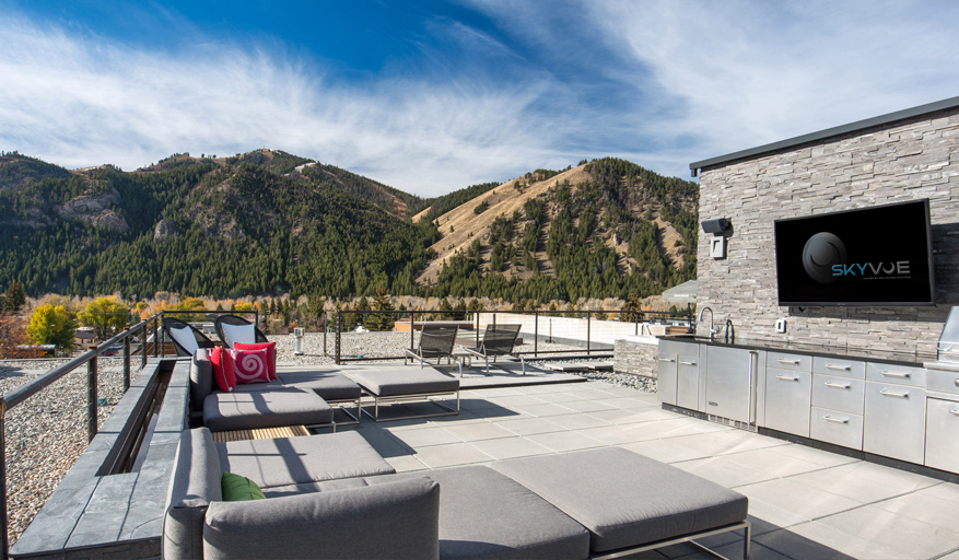 SkyVue Helps Accentuate This Outdoor Kitchen